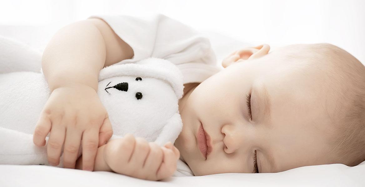 Ile powinno spać dziecko, niemowlę, a ile noworodek?